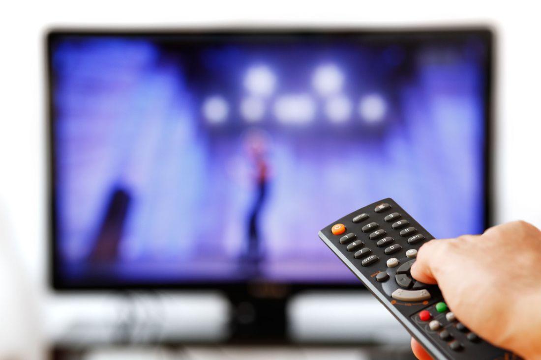 2015-07-25-1437813969-9907014-watchingtvtelevisionremote